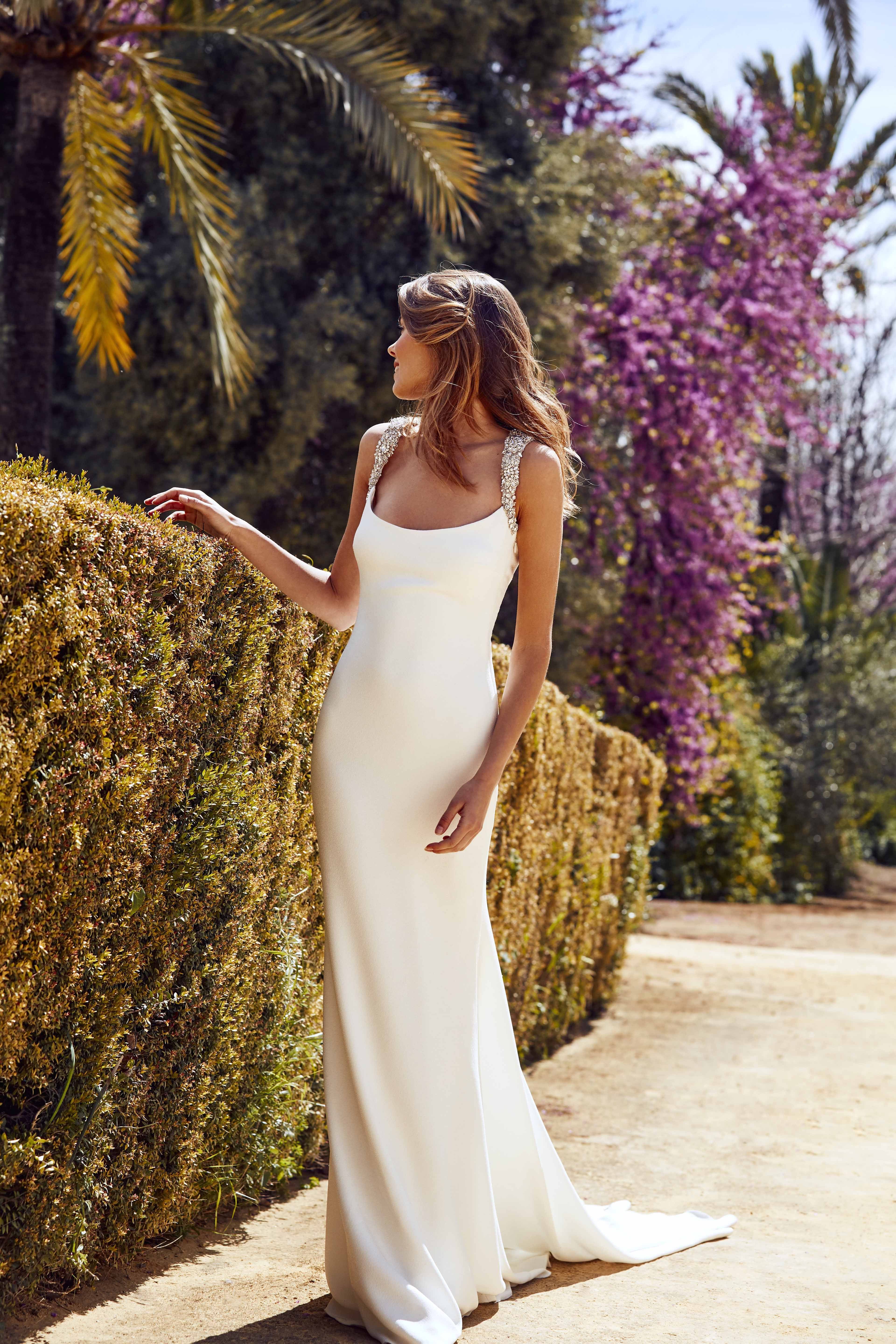 9d72f0e710f Rafia dress from Atelier Pronovias 2018