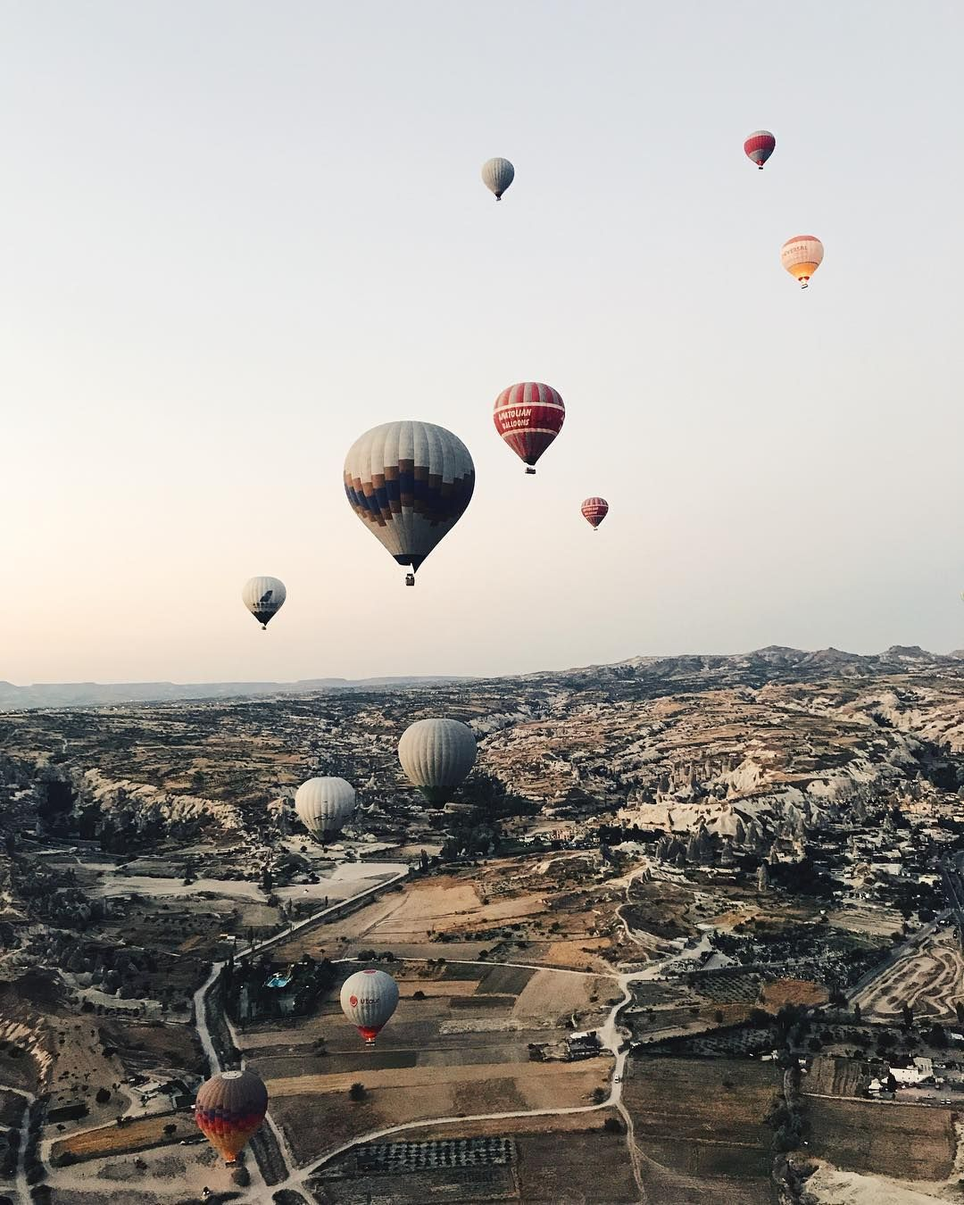 travelphotography traveltheworld balloons