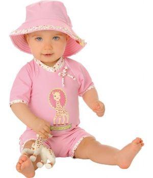 #Sophielagirafe  Adorable combinaison #anti uv bébé fille MayoParasol, collection  Combinaison rose pâle et motif petites fleurs  Sophie la Girafe®.