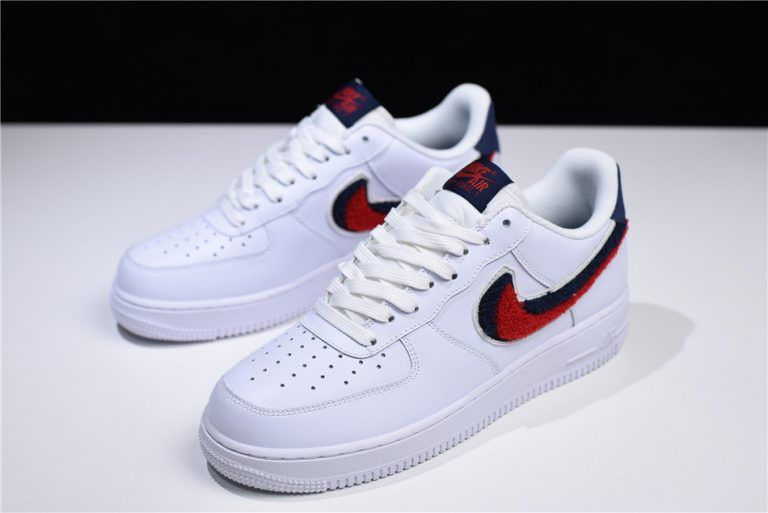 Nike Air Force 1 07 LV8 AF1 Chenille Swoosh White Red Blue Men Shoes size 9.5 sneakers