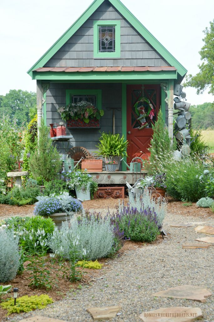 Around the Potting Shed | homeiswheretheboatis.net #garden #spring #paint
