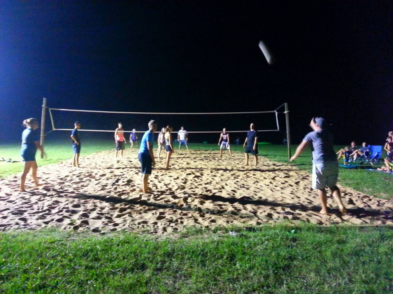 A Popular Night Time Sport Is Volleyball On Our Sand Court At Marina Village Resort On Lake Livingston Tri Stay The Night Sand Volleyball Court Marina Village