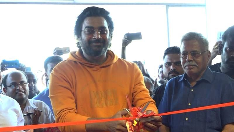 Actor Madhavan Inaugurate Royaloak Store In Chennai