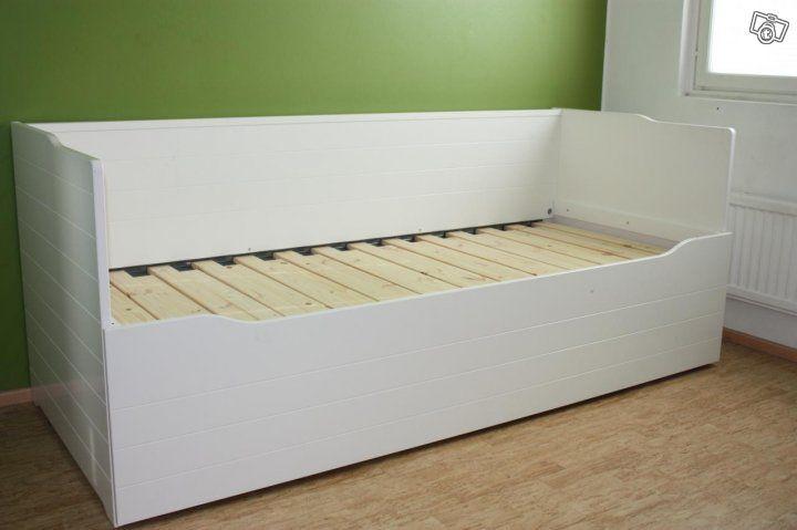Valkoinen sängynrunko