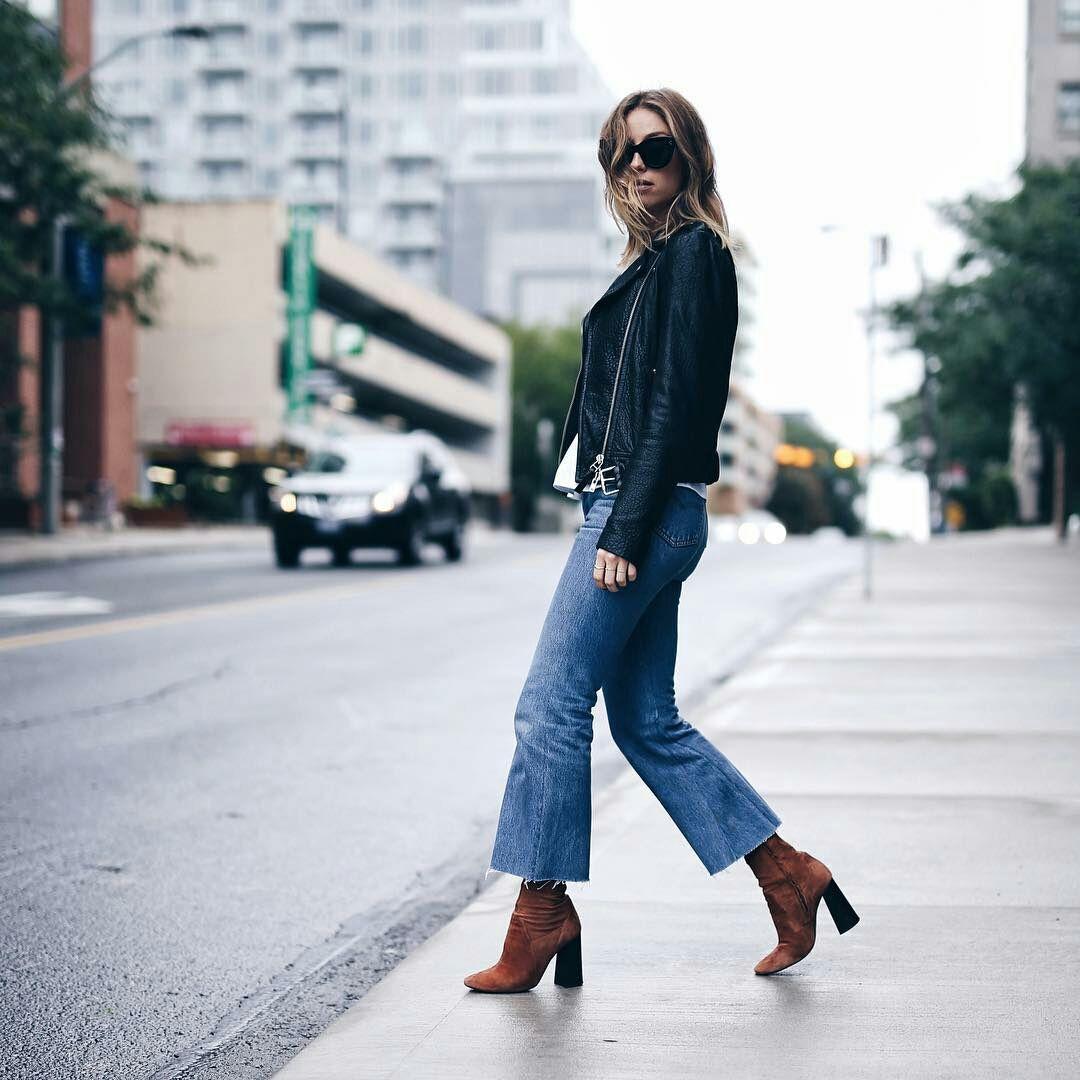 Jill Lasnky, calça cropped flare, ankle boot, jaqueta de couro
