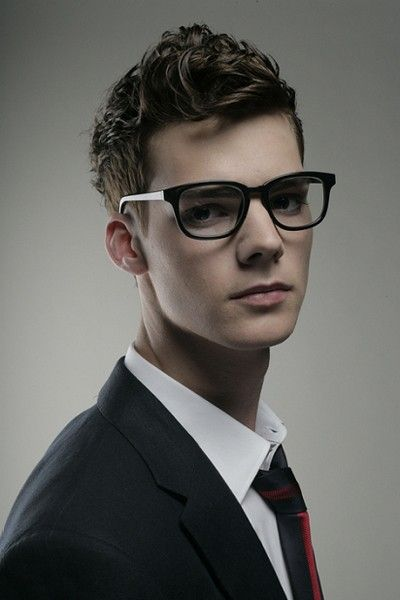Smart Casual Hairstyle On Curly Hair Mens Hairstyles Short Men S Curly Hairstyles Hairstyles For Teenage Guys