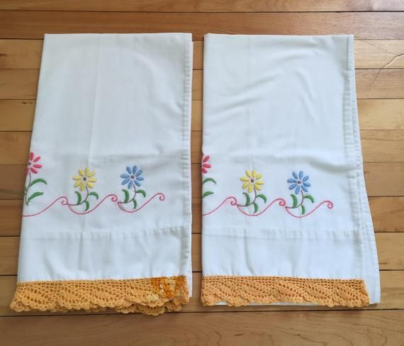 Vintage 1980s White Floral Embroidered Pillowcases Set!