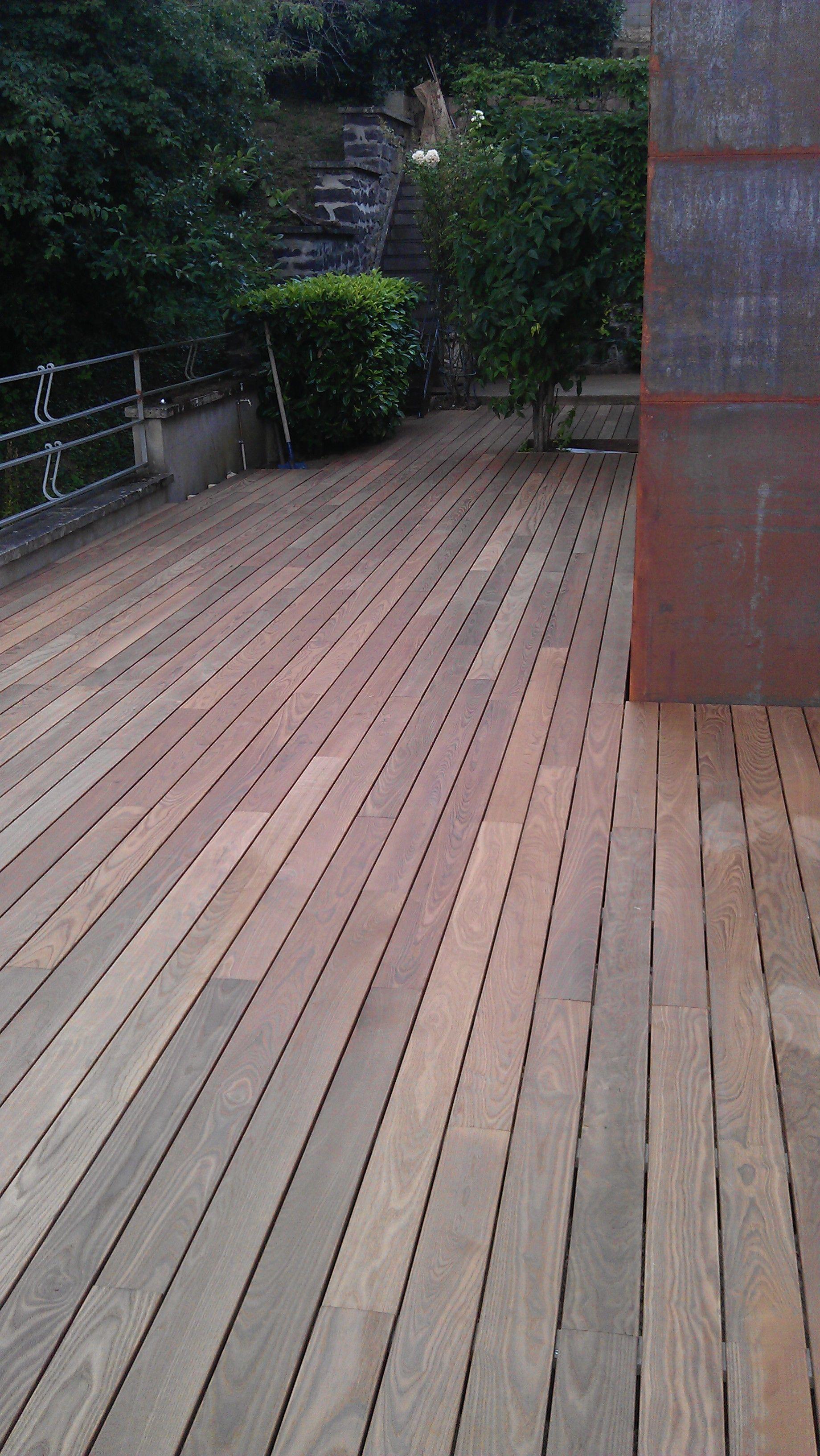 Terrasse En Bois Sur Plot : terrasse, D'une, Terrasse, Thermo-frêne, Chamalières, Balcon, Amenagement, Jardin,, Terrasse,, Plots