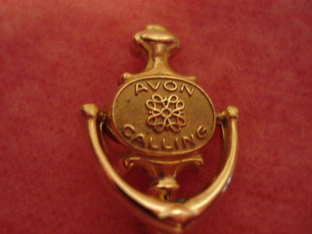 Vintage Avon Door Knocker Pin \ Avon Calling\  Knocker moves #Avon & Vintage Avon Door Knocker Pin \