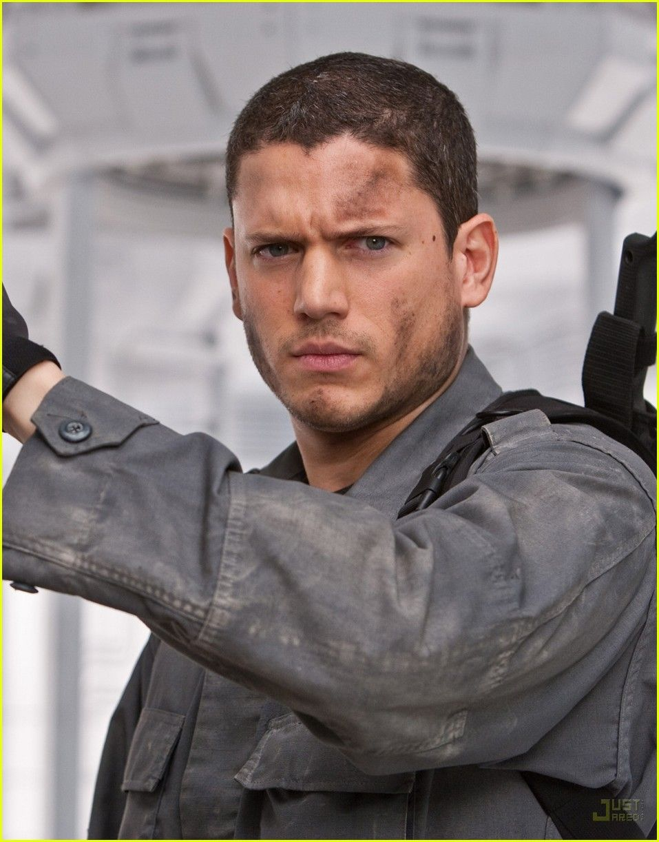 Wentworth Miller Looks Dirty -- And Sexy! OMG!!! I'm going to have good dreams tonight =)