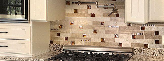 Travertine Backsplash With Granite Countertops | Beige Cabinet Granite  Countertop Travertine Backsplash