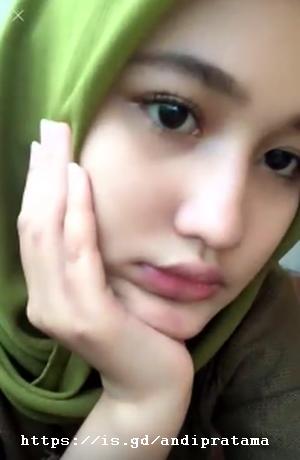 Photo Selfie Gadis Jilbab Cantik Bibir Manis Gadis Berjilbab Gadis Jilbab Cantik