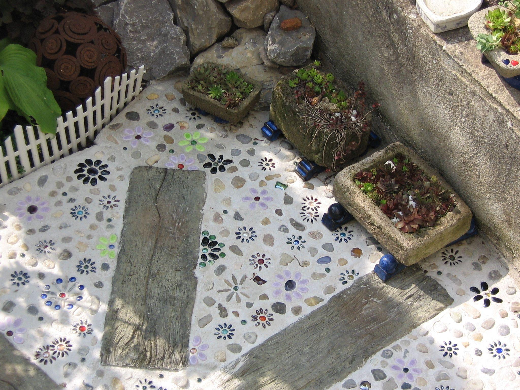 Terrasse mosaik beton garten mosaic garten terrasse und rund ums haus - Garten mosaik ...