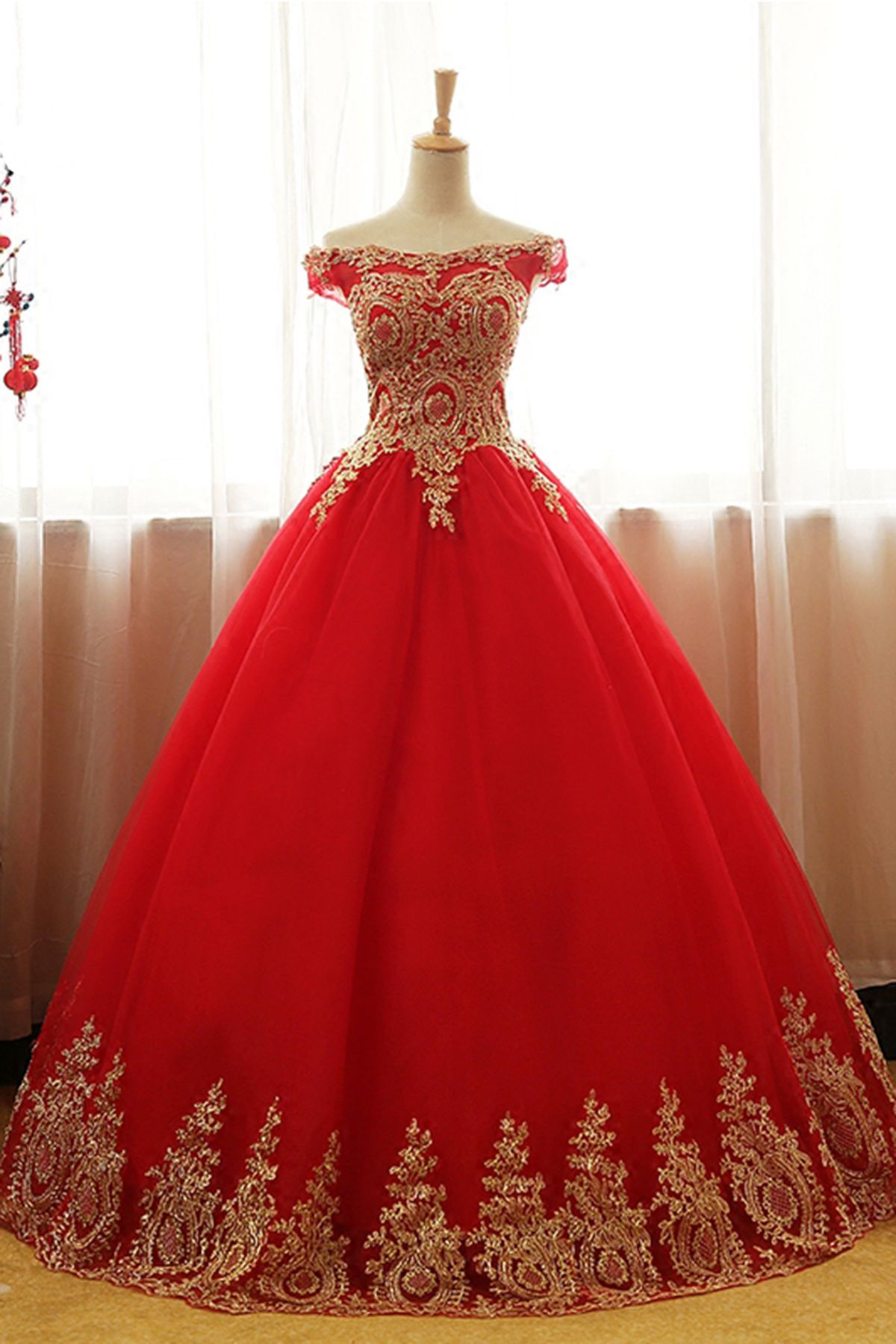 Red Tulle Long Off Shoulder Formal Evening Dress With Golden Appliques 135 In 2021 Red Quinceanera Dresses Formal Evening Dresses Evening Dresses [ 1800 x 1200 Pixel ]