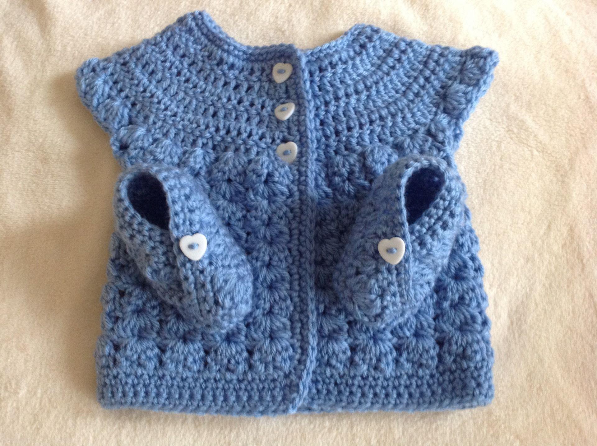 Ensemble Layette Bleu Brassière et chaussons au crochet Taille ...