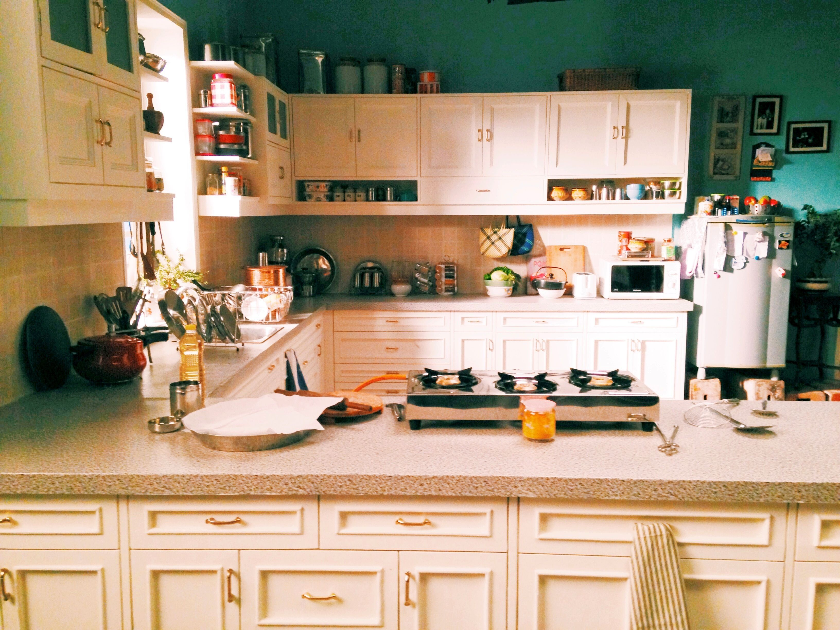 Indian middle class kitchen design - Middle Class Indian Kitchen Styled By Niyoti