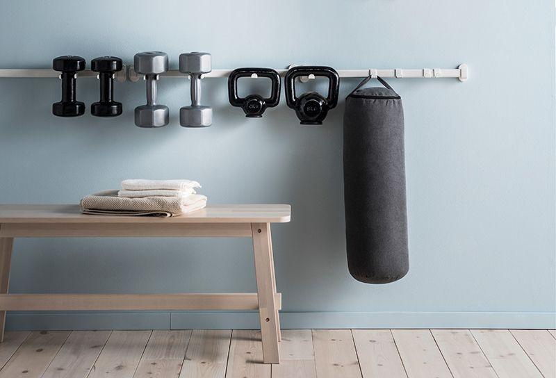 Met een handig ophangsysteem heb je jouw sportspullen altijd bij de hand | IKEA IKEAnl IKEAnederland DIY inspiratie wooninspirat… | Opberging, Interieur, Woonideeën