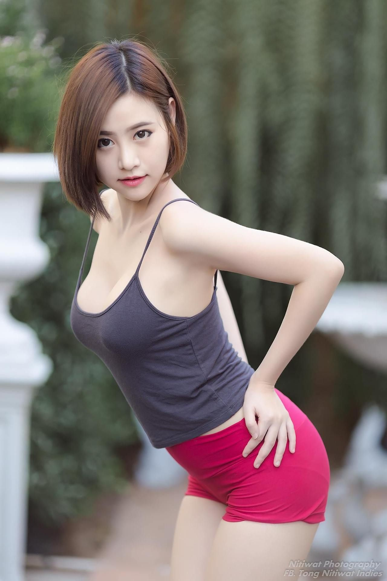 hot asian girls nude