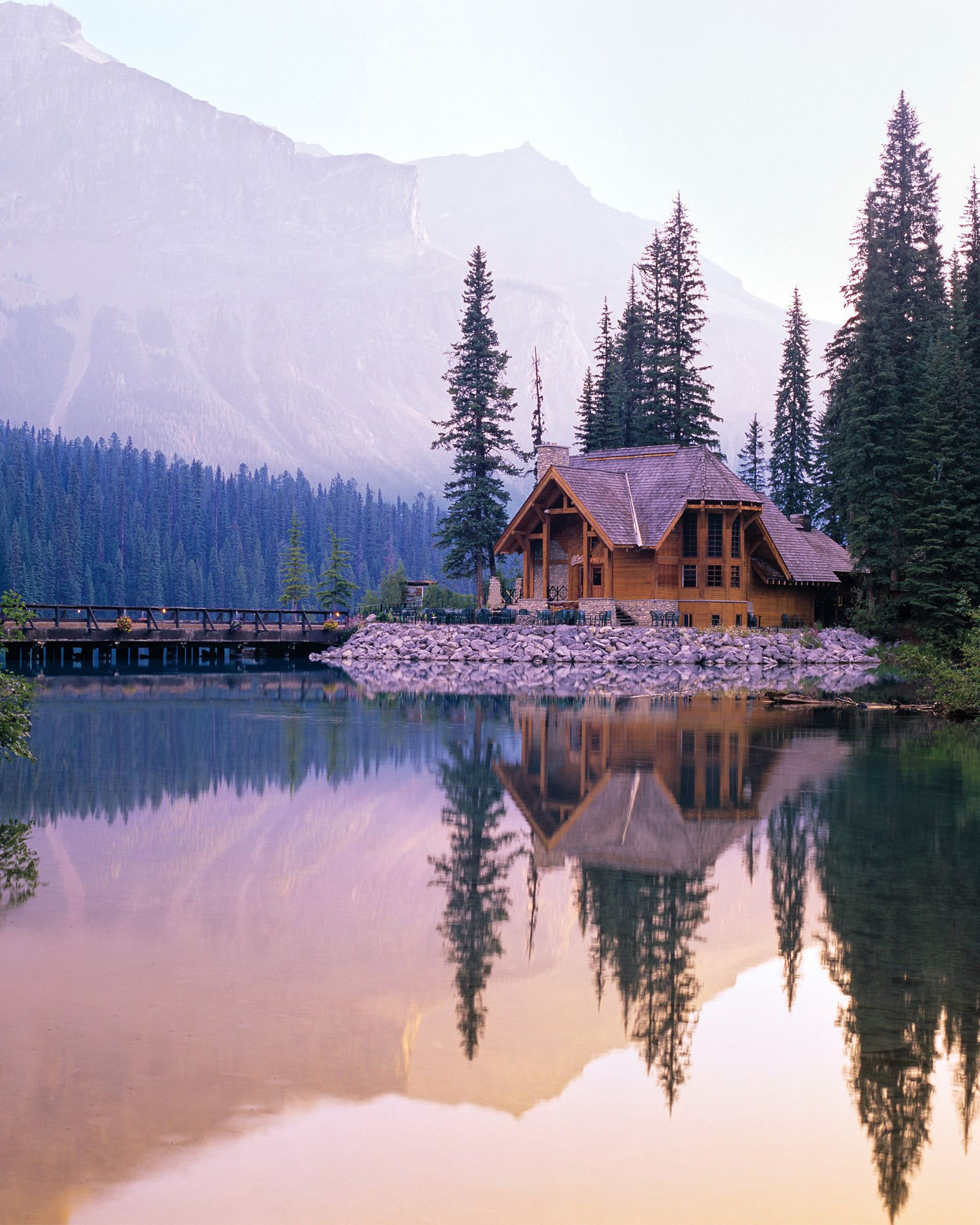 Emerald Lake Lodge in British Columbia Is a Stunning Venue