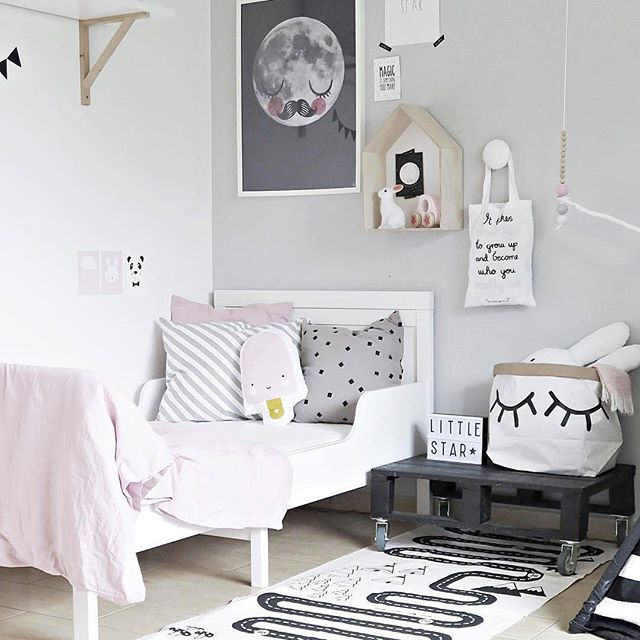 We spotted the adventurous OYOY rug on this picture from a beautiful, stylish room of little Mary. Who said roads and cars are just for boys? 😊 Love it! The rug and lots more for children available @minideco.co.uk. 🙋 Thank you for sharing and inspiration #bykoczanska 😉 #minideco  #oyoylivingdesign #kidsroomdecor #nursery #nurserydecor #childsroom #scandidesign #kidsdecor #childrensroom #designforkids