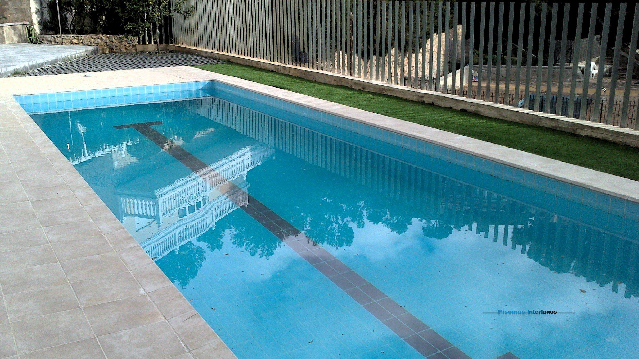 Corona de gres extrusionado de exagres apta para piscina for Gres de breda para piscinas
