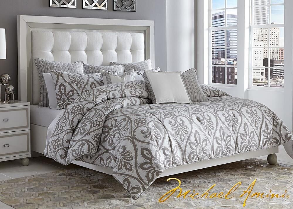 Sky Tower Queen Bed by Michael Amini | muebles | Pinterest