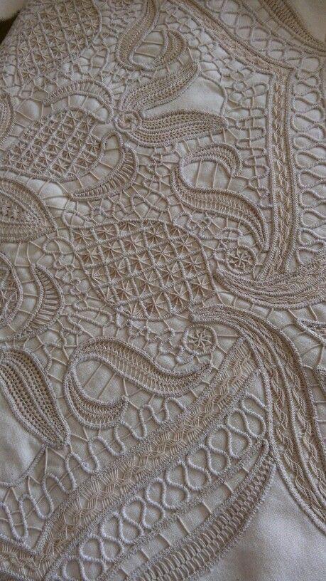 pingl par inshad nemri sur romanian lace pinterest macram dentelle et broderie blanche. Black Bedroom Furniture Sets. Home Design Ideas
