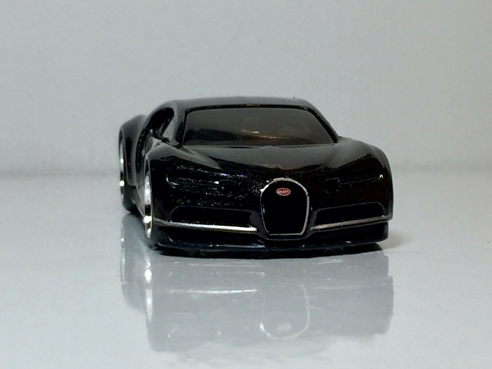 Hot Wheels 16 Bugatti Chiron Black Custom Loose Real Riders In 2020 Bugatti Chiron Black Bugatti Chiron Hot Wheels