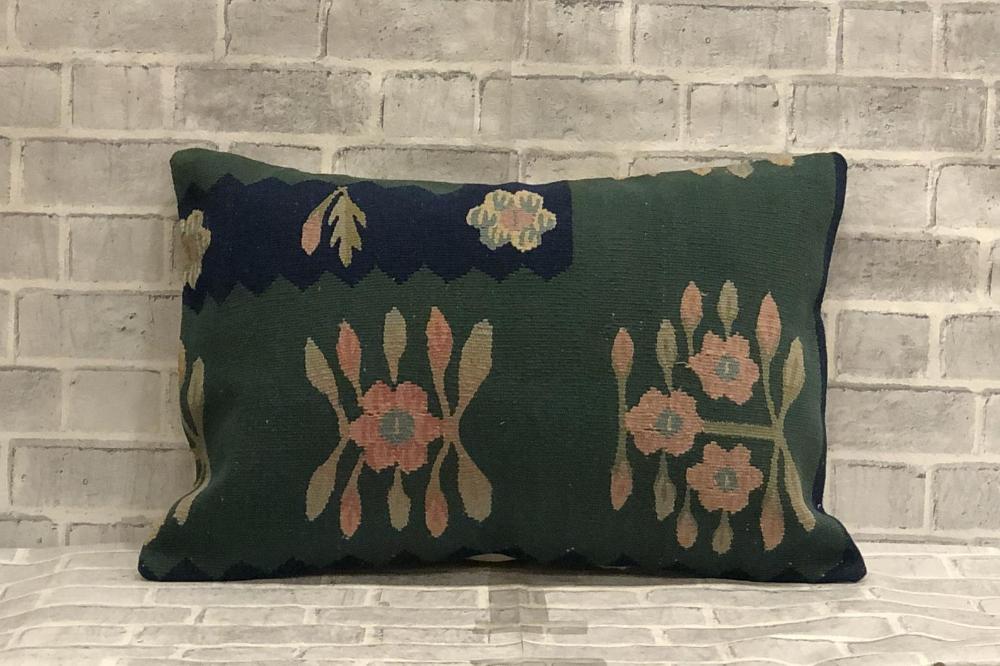 Green Turkish Kilim Pattern Accent Pillow Floral Turkish Etsy Kilim Pattern Pillows Floral Turkish Kilim