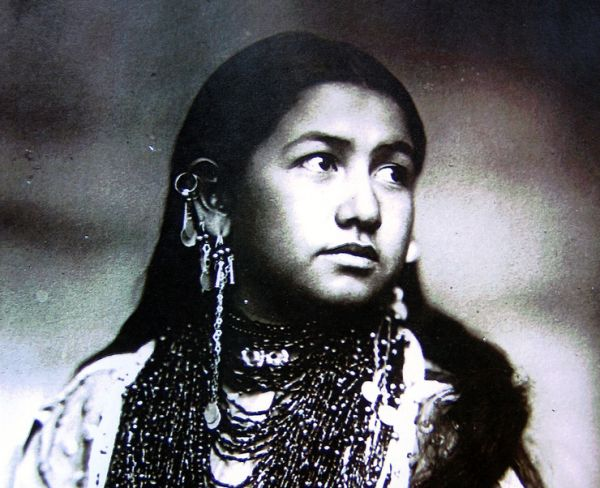 A Native American Woman in Photography   Lost, Native indian and ...