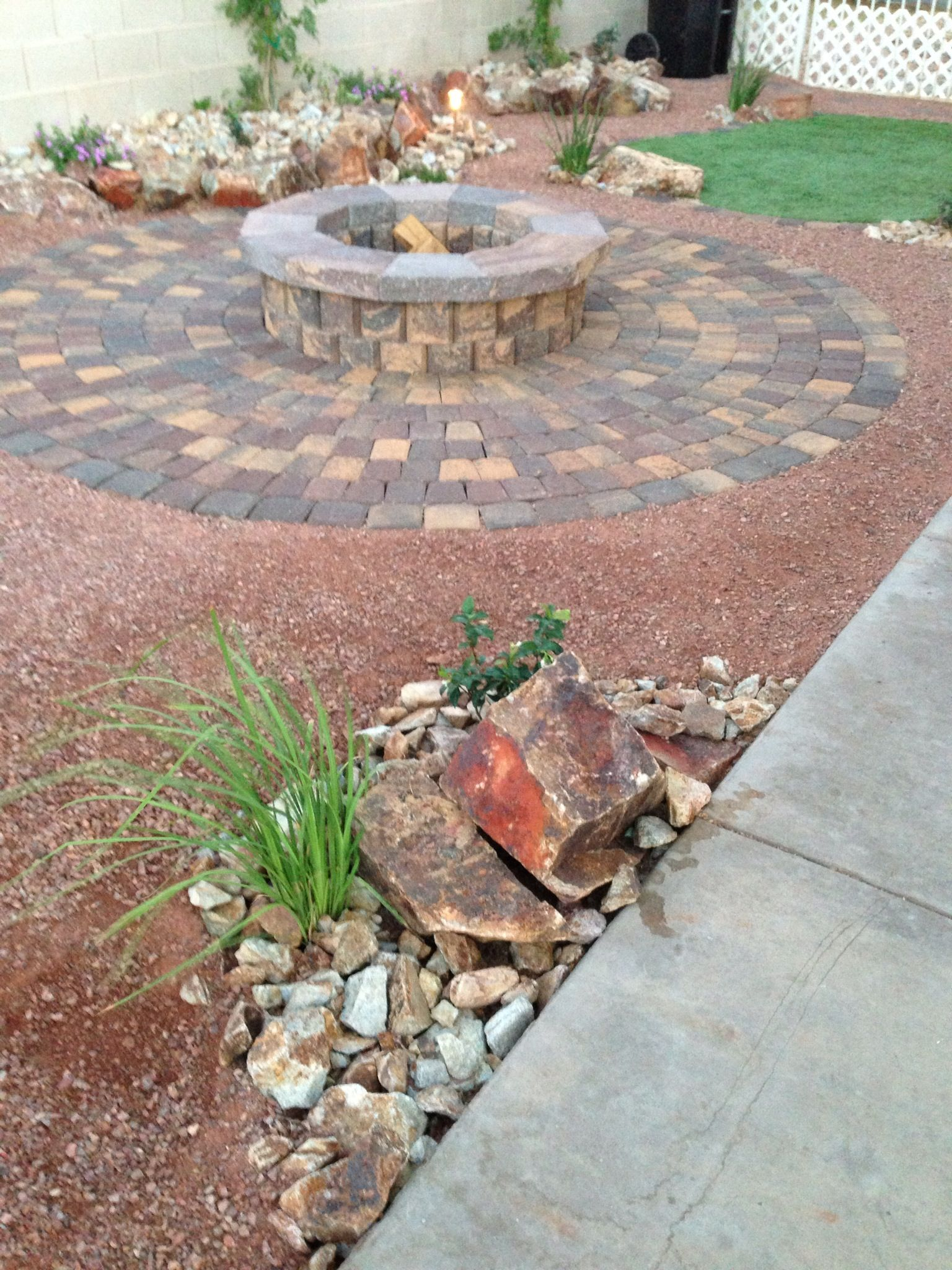 A Beautiful Fire Pit For This Las Vegas Backyard Parsons Rocks Firepit Lasvegas Landscaping Hardscaping
