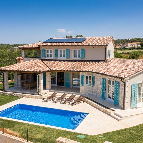 New Modern Stone Villa With Pool Above Porec Strpacici Villetta Rustica Case Di Campagna Moderne Planimetrie Di Case