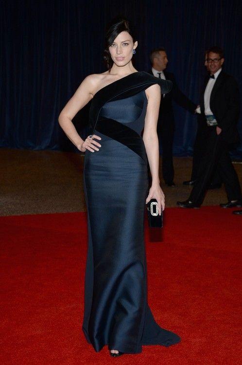 Jessica Pare at the WHCD. Stunning.