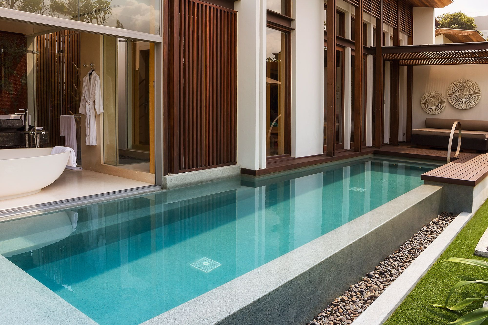 Private indoor pool suites  General : Hotels And Resorts Luxury House Swimming Pool With Cool ...