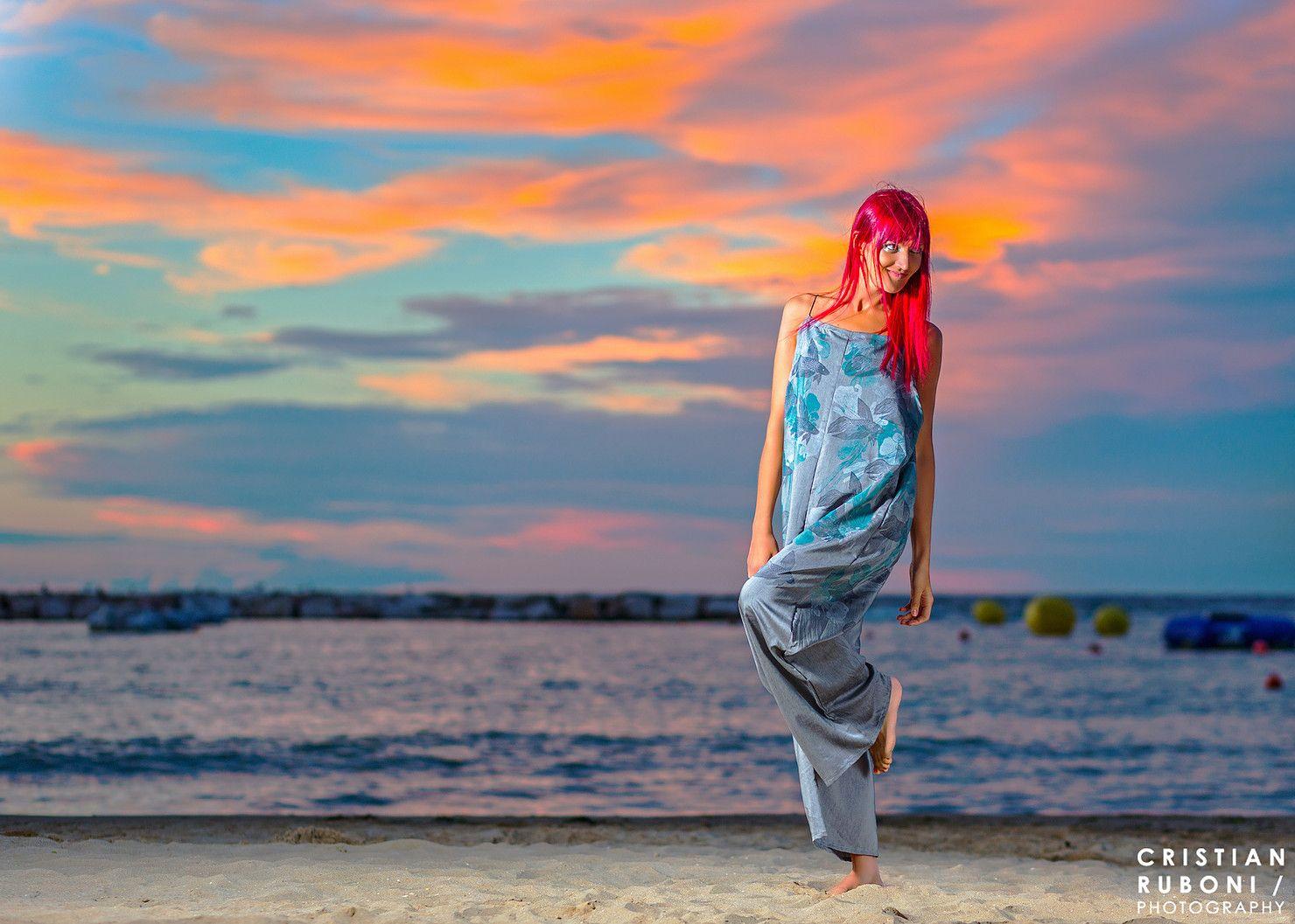 Cristian Ruboni Photography  Servizi fotografici per modelle, fashion designers, boutiques, negozi di moda e molto altro!  #womenfashion #moda #donna #fotografo #tramonto #dress #mare