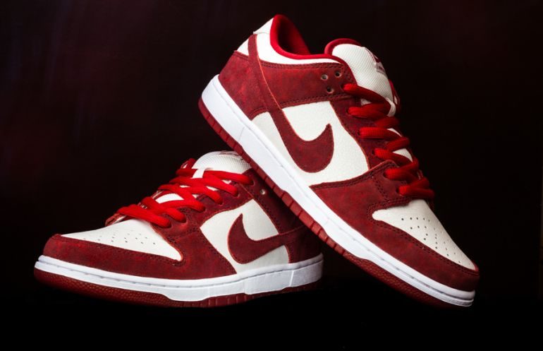 Nike Sb Dunk Low Valentines Day Sneakerhead Life Pinterest