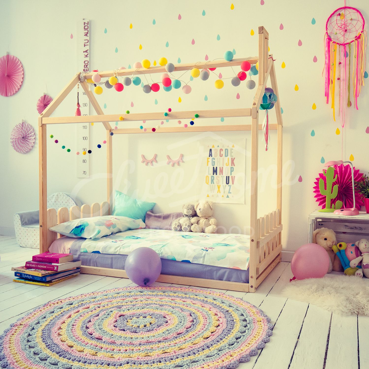 Kids Bedroom Furniture Kids Wooden Toys Online: Fun Colorful Girls Room Interior Idea, Toddler Bed