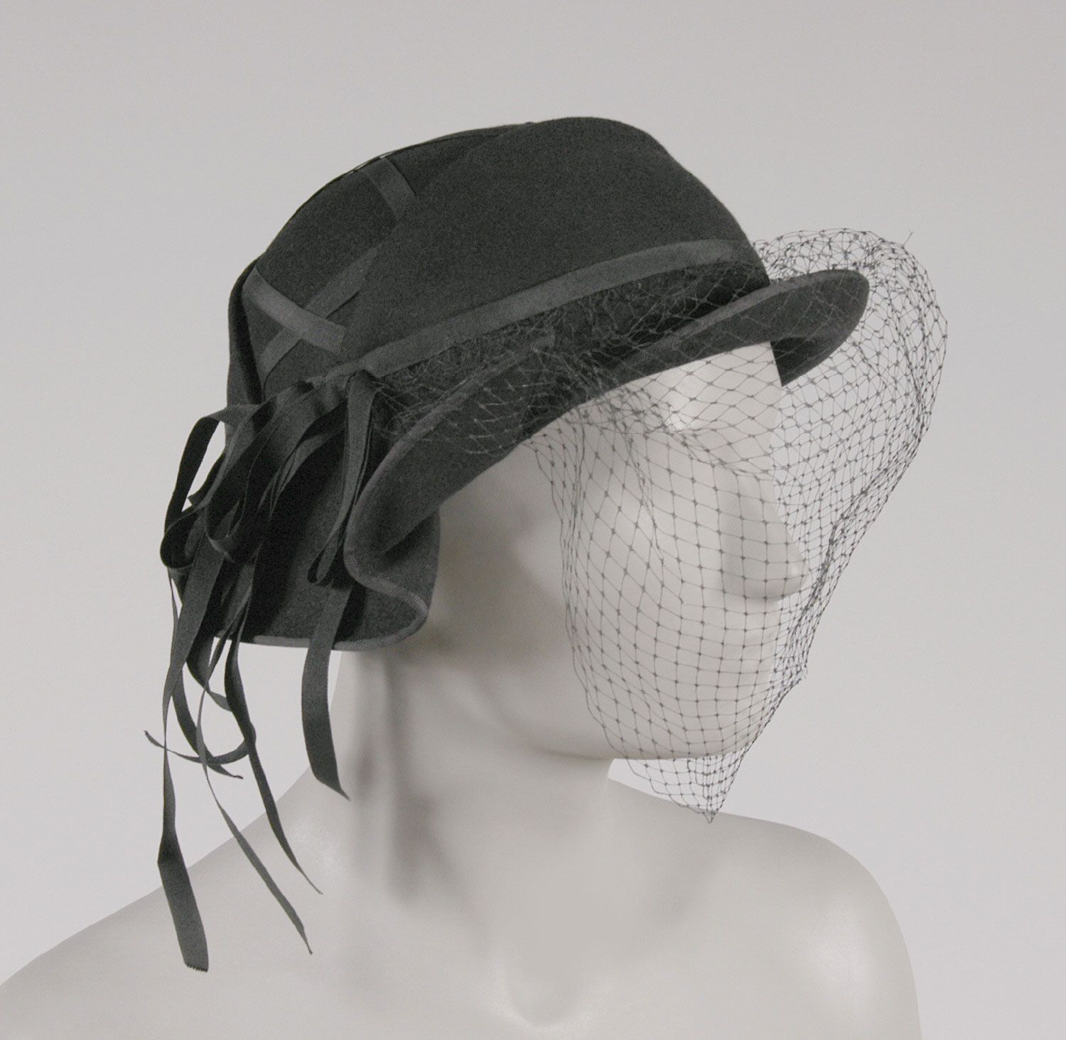 Attrayant 1940 1950s, America   Hat With Hat Pin By Salon Moderne, Saks Fifth Avenue,  New York   Black Wool Felt, Grosgrain Ribbon, Veiling
