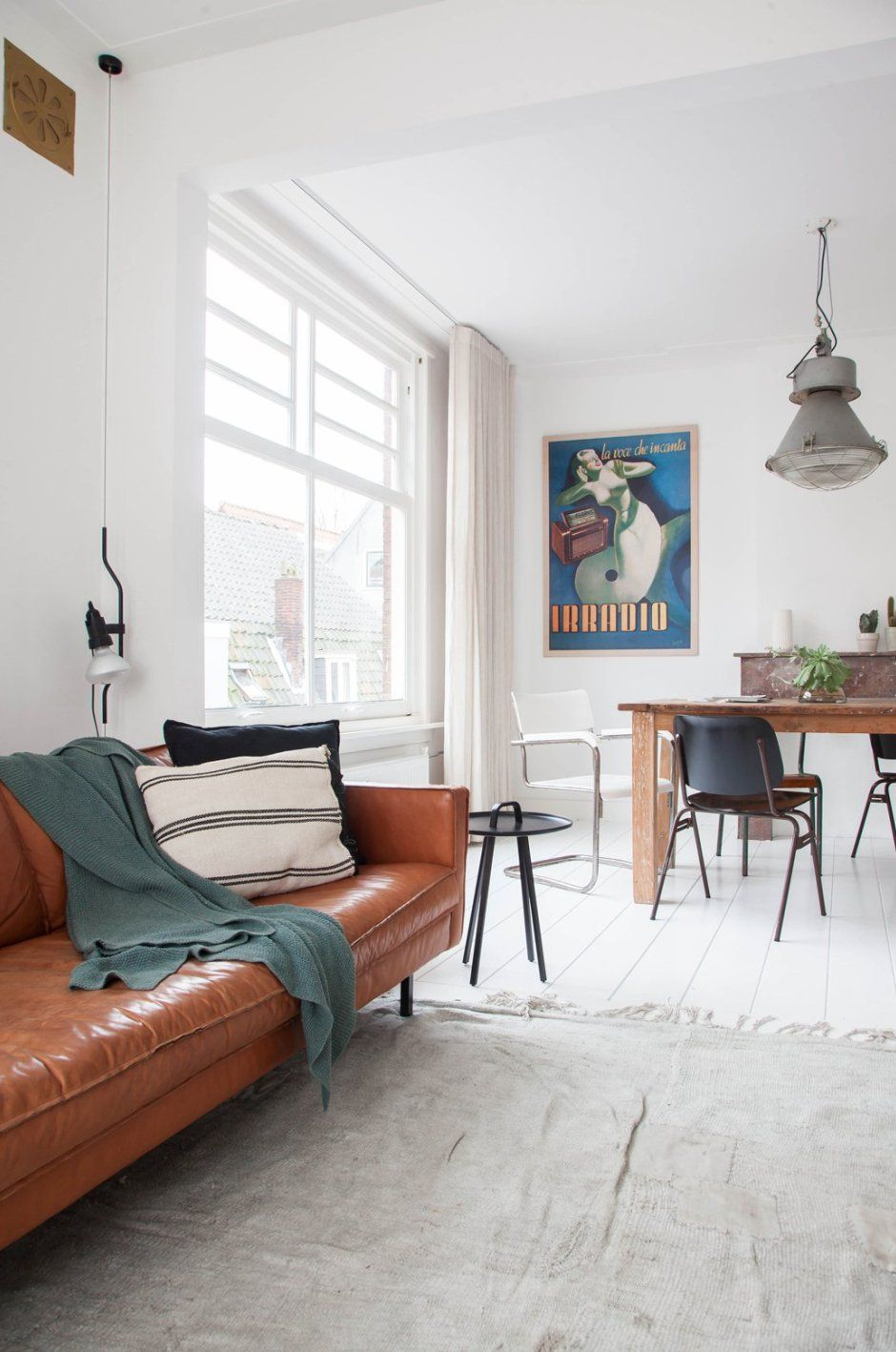 Home Tour: Cool, Calm and Collected Bachelor Pad | Pinterest