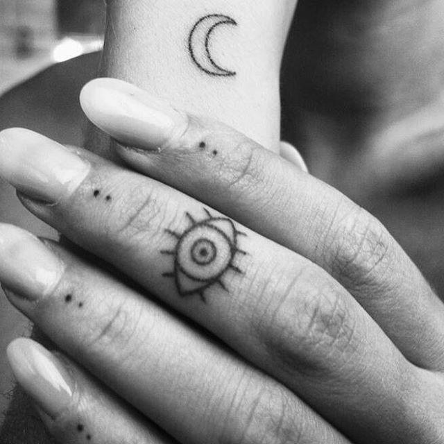 Mit tattoo bedeutung auge hand ▷ 1001