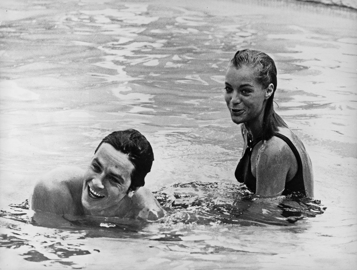 Romy Schneider And Alain Delon In La Piscine Der Swimmingpool R