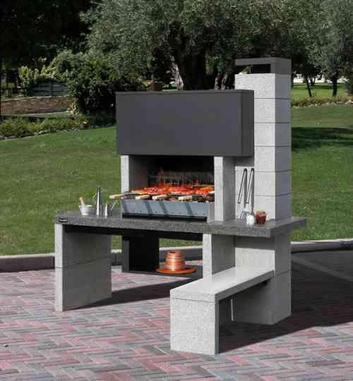 Barbecue fixe fonctionnel et esthétique dans le jardin ...