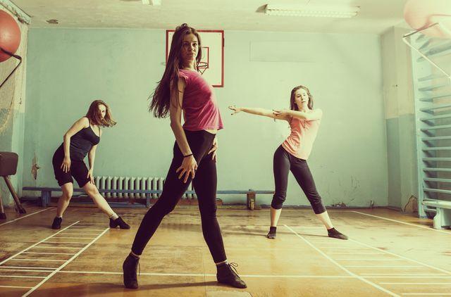 Bajar de peso bailando bachata moderna
