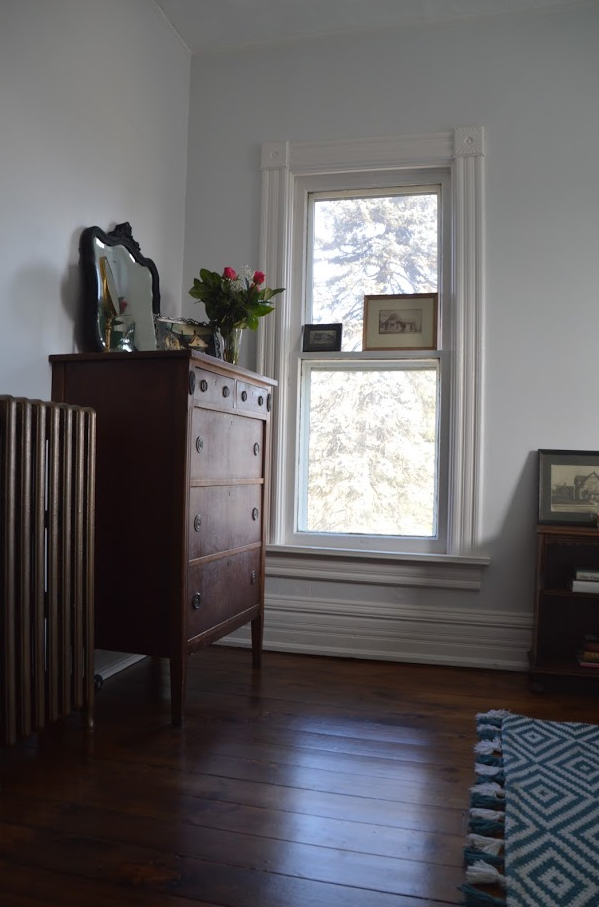 I Fell Down A Rabbit Hole Of Beauty The Renovation Of A Victorian Farmhouse This Photographer In 2020 Guest Bedroom Design Home Decor Bedroom Rustic Bedroom Design