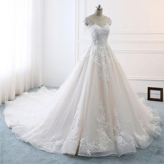 Jeanne Love Royal Sweetheart A Line Wedding Dresses 2019: 2018 Romantic A-line Royal Wedding Dresses White Bridal
