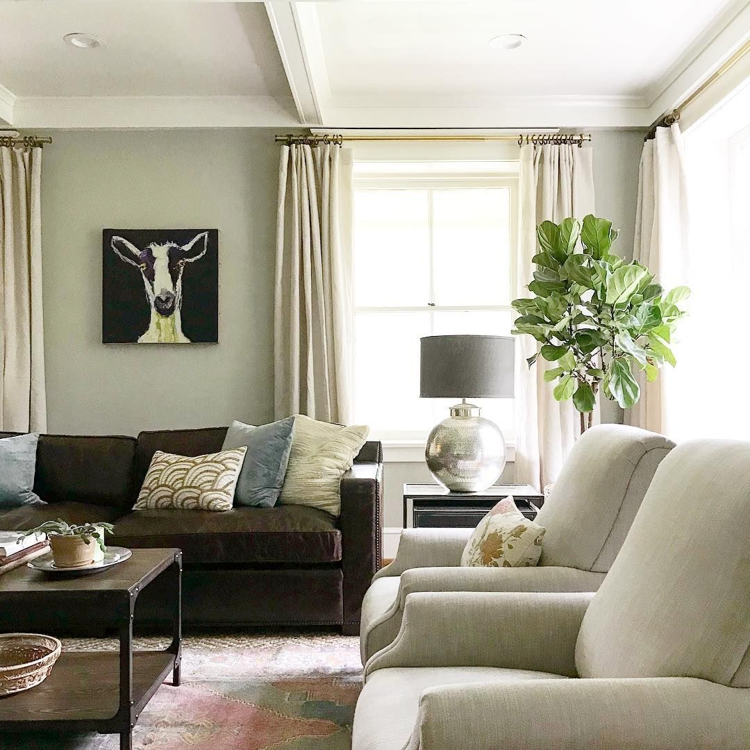 A Classic Yet Fun Living Room With The Perfect Mix Of Vintage