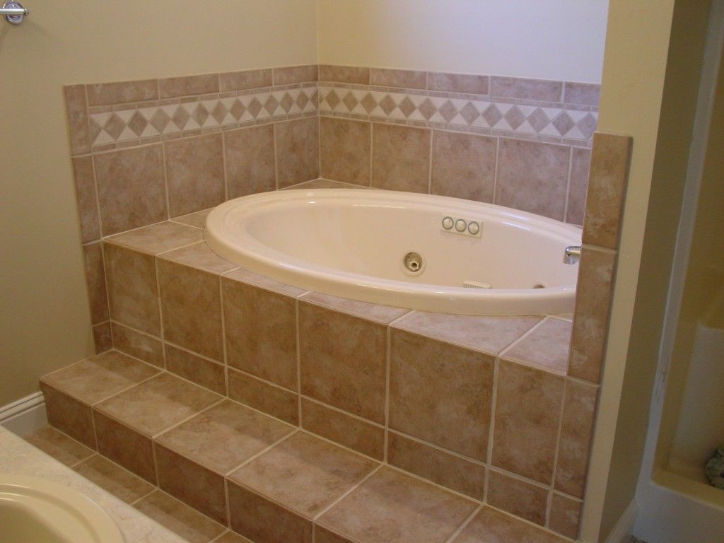 This tile design is very similar to mine! | Bathroom | Pinterest ...