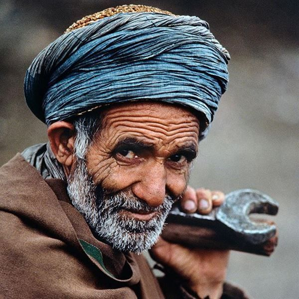 National Geographic - Photo taken by stevemccurryofficial This engineer works in L