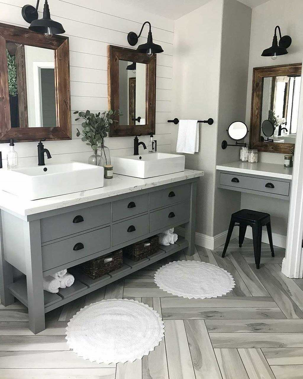 44 Low Cost Farmhouse Bathroom Design Ideas 15 With Lamp Decor Bathroom Cost Deco Beautiful Bathroom Vanity Bathroom Remodel Master Farmhouse Bathroom Vanity