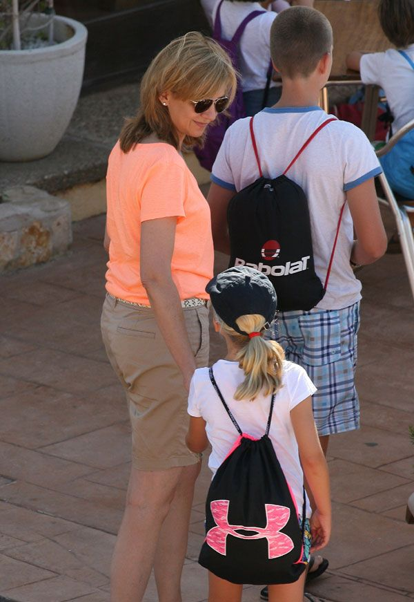 Queen Sofia with her ​​grandchildren to join sailing classes as the previous summer in Mallorca Cala Nova.